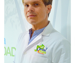 Dr. Martin Quesada Araya,