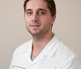 Dr. Adam Bodnar, Oral surgery, Implantology, prosthetic dentistry